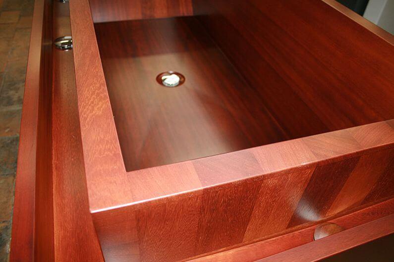 le bain tre d une baignoire en bois hout info bois. Black Bedroom Furniture Sets. Home Design Ideas